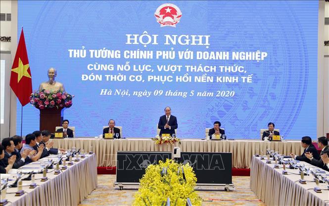 Hội nghị Thủ tướng với doanh nghiệp: Vượt thách thức, đón thời cơ, phục hồi nền kinh tế