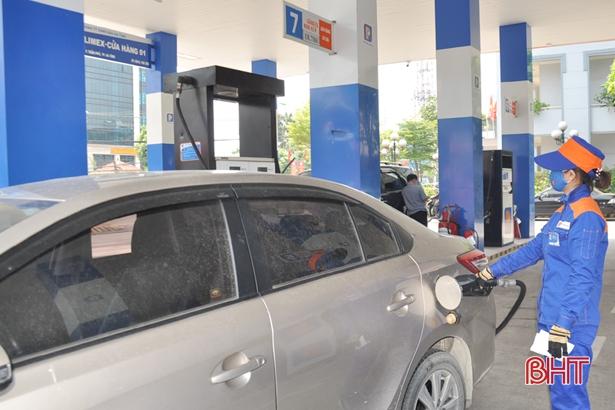 Giá xăng, dầu tăng cao dồn áp lực lên người dân, doanh nghiệp ở Hà Tĩnh